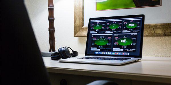 Các bước để bắt đầu chơi poker online